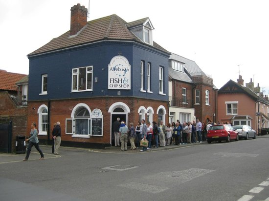 Aldeburgh Fish and Chips: Queue for fish & chips