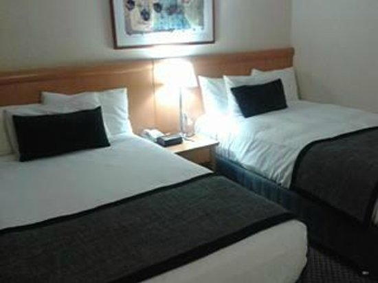 Rydges World Square Sydney Hotel: double bed