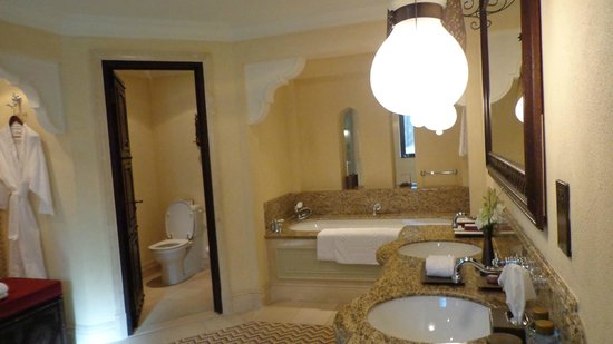 Jumeirah Dar Al Masyaf at Madinat Jumeirah : Bathroom