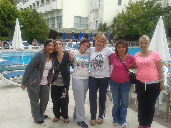 Marbel Hotel : havuz basi
