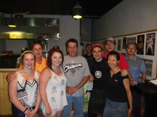 Mike's Pizza Kitchen: Family at Mikes