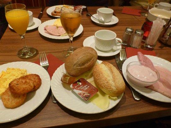 Prinzhotel Rothenburg : 朝食