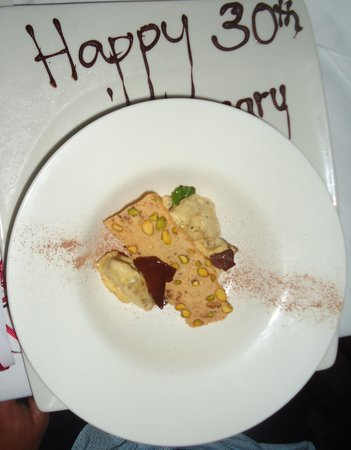 Kewarra Beach Resort & Spa: Desert with a lovely message - totally unexpected !