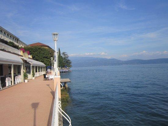 Grand Hotel Gardone : Lakeside view