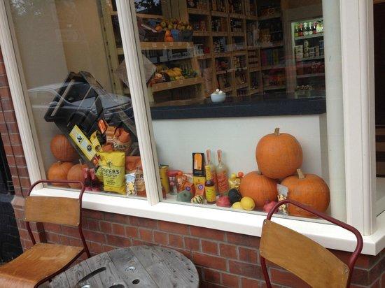 Kitchenetta Delicatessen & Coffee shop: Pumpkins in the window!