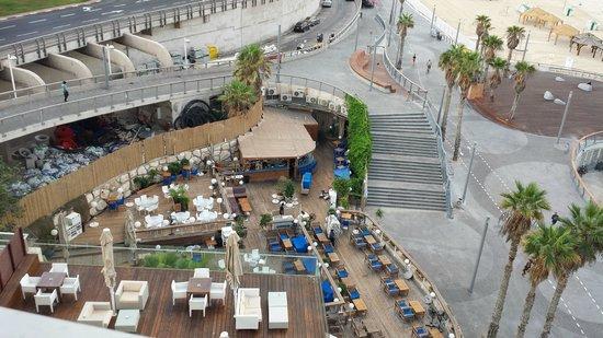 Renaissance Tel Aviv Hotel: Parte del Paseo Marítimo
