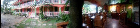 La Solana Suites and Resort: Hotel & Grounds