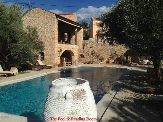 Arosmari Village Retreat: Pool and Reading Room