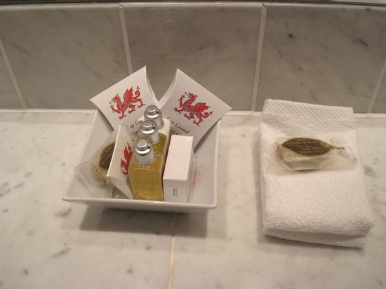 Castell Deudraeth: Lovely soaps