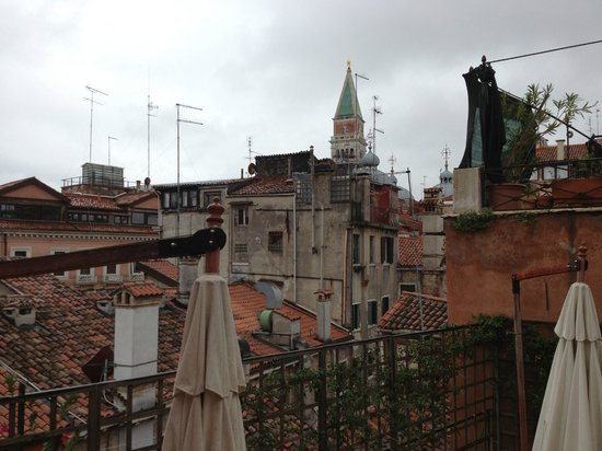 Hotel Castello: rooftops of Venice