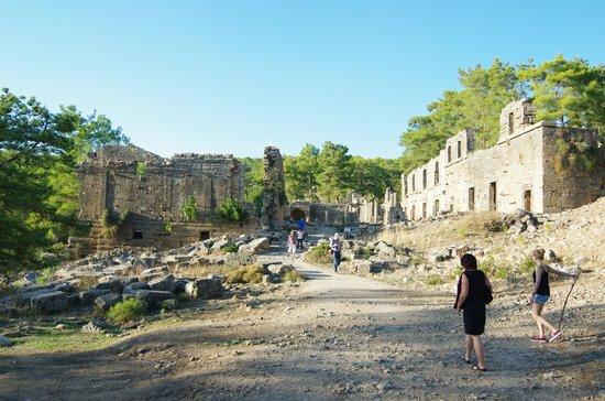 Seleukia (Lybre): The Agora
