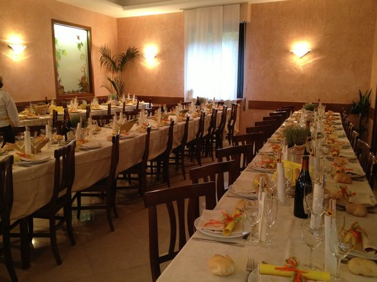 Fortunago, Italie : La sala