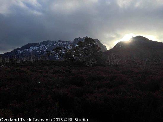 Cradle Mountain Huts: Sunset Mt Ossa