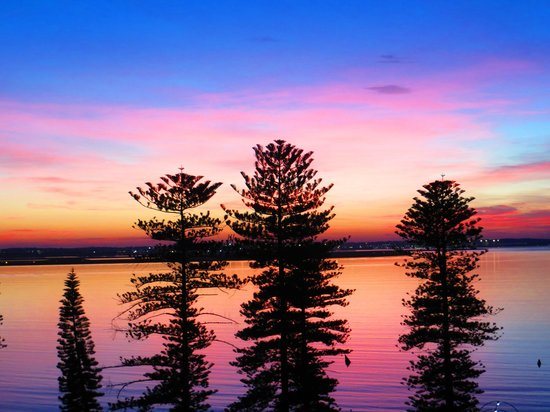 Novotel Sydney Brighton Beach: Sunset on the beach from a balcony