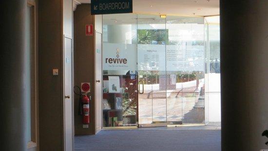 Novotel Sydney Brighton Beach: Entrance to Spa area
