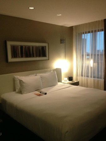 Hotel Felix : Warm and cosy King room