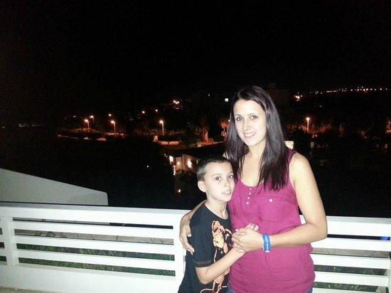 Hotel Manar: night on balcony