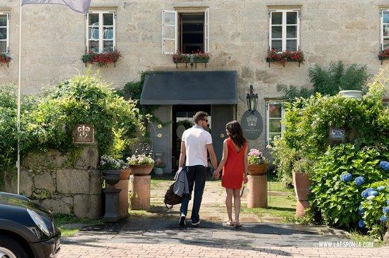 Hotel Spa Relais & Chateaux A Quinta da Auga: Entrada al hotel