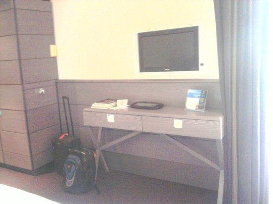 Apollo Hotel Amsterdam: TV