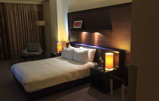 Hilton London Canary Wharf : Fint og stort rom