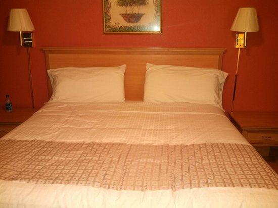 Studio 6 Aberdeen, MD : Pretty comfortable bed