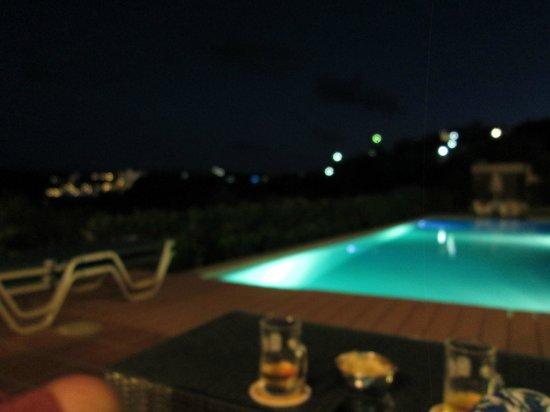 Mirabella Apartments : .