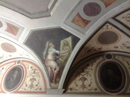 Casa di Giorgio Vasari : A frescoed ceiling in Casa Giorgio Vasari