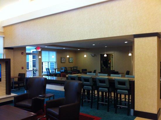 Residence Inn Albany Washington Avenue: Breakfast area
