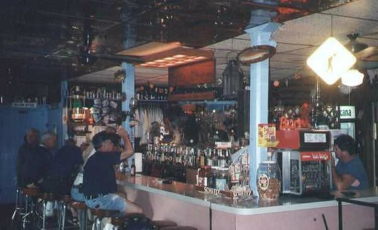 Bill's Place: Inside the old Bill's before the 2000 fire