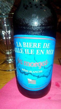 Les embruns: Bière artisanale locale, proposée en blanche, blonde ou ambrée