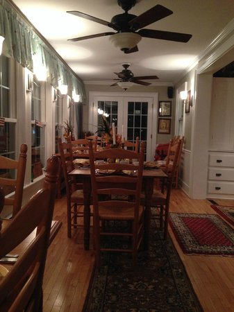 Phineas Swann Bed and Breakfast Inn: Dining Room at the Main House