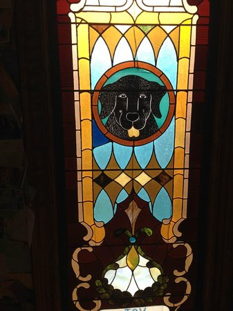 Phineas Swann Bed and Breakfast Inn : One of the awesome stained glass windows at the Chapel at Dog Mountain