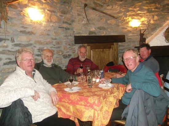 Chalet della Guida: Restaurant della guida - plain but excellent Italian