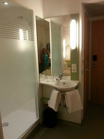 Ibis Budget Berlin Kurfurstendamm: Bathroom