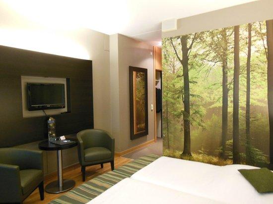 La piscine olympique picture of hotel d 39 coque for Piscine olympique