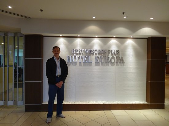 Best Western Plus Montreal Downtown-Hotel Europa : Entrance