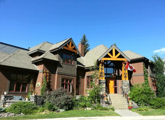 Buffaloberry Bed and Breakfast: Beautiful Buffalobery B&B, Banff
