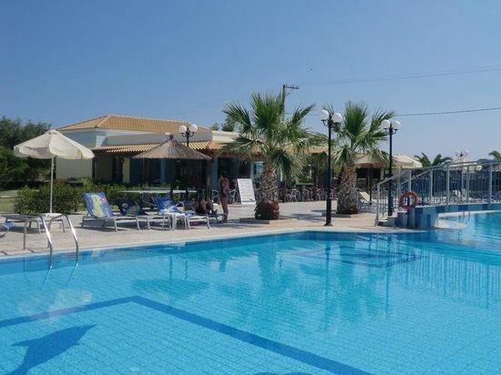 Hotel Corali: piscine