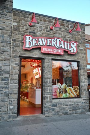 Buffaloberry Bed and Breakfast : Banff's famous Beaver Tails :)