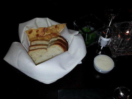 Mason Street Grill: Bread Basket