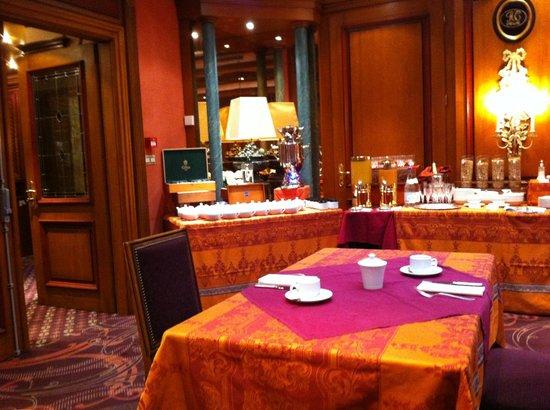 Hostellerie des Châteaux & Spa : Salle petit déjeuner