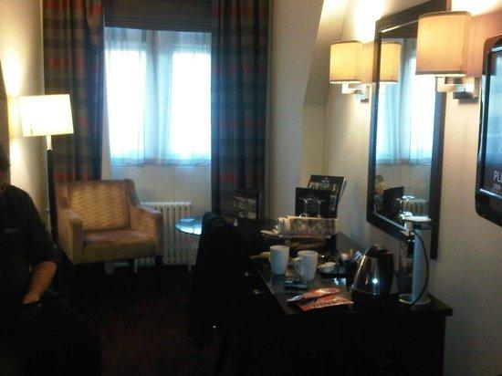 Grand Central Hotel: Standard Room