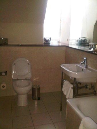 Grand Central Hotel: Bathroom