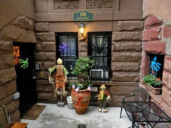 Efuru Guest House: halloween