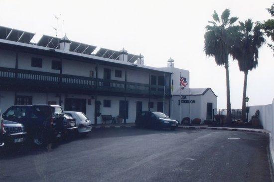 Los Pueblos Apartments : Reception