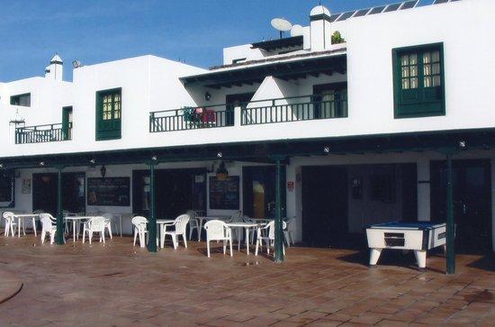 Los Pueblos Apartments : Main Building
