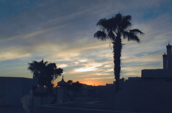 Los Pueblos Apartments : Sunset From Balcony