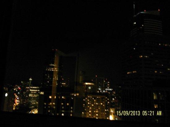 Crowne Plaza Seattle Downtown Area: Veduta notturna sulla città
