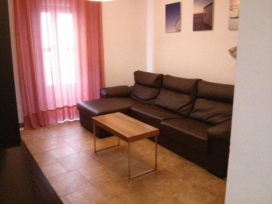 Apartamentos Living Valencia : Comedor. Gran sofá-cama comodísimo