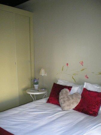 Apartamentos Refitoleria: Habitación